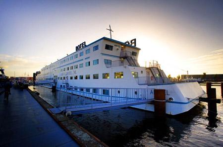 botel amstel das schwimmende hotel in amsterdam